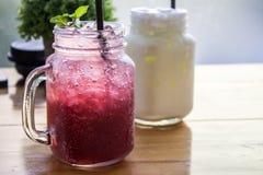 Κρύο ποτό πάγου γυαλιού θαμπάδων Στοκ φωτογραφίες με δικαίωμα ελεύθερης χρήσης