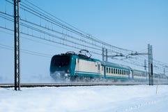 κρύο τραίνο στοκ φωτογραφία με δικαίωμα ελεύθερης χρήσης