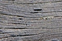 Κρύσταλλα παγετού στο ξύλινο υπόβαθρο στοκ φωτογραφίες με δικαίωμα ελεύθερης χρήσης