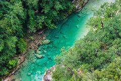Κρύσταλλο - καθαρίστε το νερό διάσημο Canyon du Verde μεταξύ των βουνών στη Γαλλία στοκ εικόνα με δικαίωμα ελεύθερης χρήσης