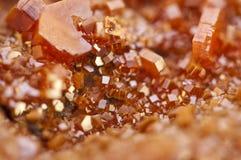 Κρύσταλλα Vanadinite Μακροεντολή Ακραία κινηματογράφηση σε πρώτο πλάνο Στοκ εικόνες με δικαίωμα ελεύθερης χρήσης