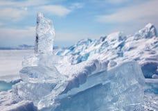 Κρύσταλλο επιπλέοντος πάγου πάγου πέρα από χειμερινό Baikal τη λίμνη Στοκ Φωτογραφία