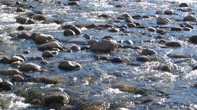 Αστράφτοντας βράχοι ποταμών Στοκ Φωτογραφίες