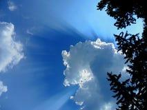 Κρύψιμο πίσω από το σύννεφο στοκ εικόνες