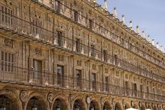 Κτήρια γύρω από το δήμαρχο Plaza σε Σαλαμάνκα, Ισπανία Στοκ φωτογραφία με δικαίωμα ελεύθερης χρήσης