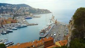 Κτήρια και γιοτ στο λιμένα της Νίκαιας, γαλλική μαρίνα στη Μεσόγειο, ταξίδι απόθεμα βίντεο