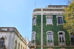 Κτήρια και χαρακτηριστικά σπίτια στο Αλγκάρβε, Πορτογαλία Στοκ φωτογραφία με δικαίωμα ελεύθερης χρήσης