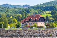Κτήρια και λόφοι στην κοιλάδα Wachau, Αυστρία Στοκ Εικόνες