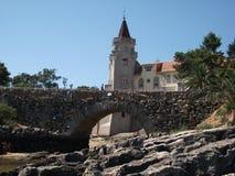 Κτήρια κατά μήκος της ακτής του Κασκάις σε ένα ηλιόλουστο απόγευμα (Πορτογαλία) Στοκ εικόνες με δικαίωμα ελεύθερης χρήσης