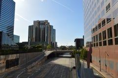 Κτήρια Λος Άντζελες από τον αυτοκινητόδρομο Στοκ φωτογραφίες με δικαίωμα ελεύθερης χρήσης