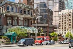 Κτήρια μεταξύ της δύσης Cordova και των οδών δυτικού Hastings στο Βανκούβερ στοκ φωτογραφίες με δικαίωμα ελεύθερης χρήσης