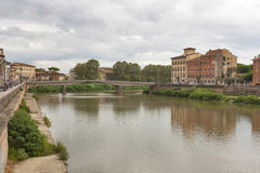 Κτήρια ποταμών και προκυμαιών Arno, Πίζα Στοκ εικόνες με δικαίωμα ελεύθερης χρήσης