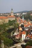 Κτήρια πύργων και παλατιών κουδουνιών σε Cesky Krumlov, Δημοκρατία της Τσεχίας Στοκ Εικόνες