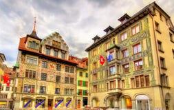 Κτήρια στο ιστορικό κέντρο Λουκέρνης - την Ελβετία Στοκ φωτογραφία με δικαίωμα ελεύθερης χρήσης