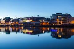 Κτήρια στο Liffey riverbank Στοκ Φωτογραφίες