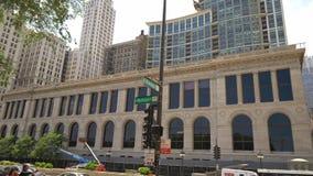Κτήριο βιβλιοθήκης του Σικάγου στη Michigan Avenue - το ΣΙΚΑΓΟ ΗΝΩΜΕΝΕΣ ΠΟΛΙΤΕΊΕΣ - 11 ΙΟΥΝΊΟΥ 2019 απόθεμα βίντεο
