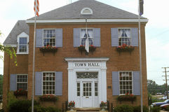 Κτήριο Δημαρχείων σε Herndon, κομητεία του Φέρφαξ, VA στοκ εικόνες