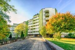κτήριο διαμερισμάτων σύγχ&rh Στοκ Εικόνες