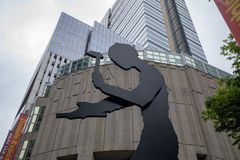 Κτήριο Μουσείων Τέχνης του Σιάτλ στο Σιάτλ, WA Είναι το κύριο κτήριο μουσείων που βρίσκεται στην πρώτη οδό στο στο κέντρο της πόλ στοκ φωτογραφίες