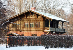 Κτήριο που γίνεται στο ρωσικό επικό ύφος Στοκ εικόνα με δικαίωμα ελεύθερης χρήσης