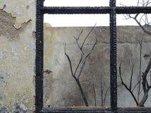 Κτήριο που καίγεται από την πυρκαγιά Στοκ φωτογραφία με δικαίωμα ελεύθερης χρήσης