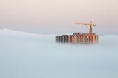 Κτήριο που καλύπτεται από την ομίχλη Στοκ Φωτογραφία