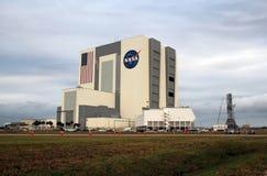 Κτήριο συνελεύσεων οχημάτων Διαστημικών Κέντρων Κένεντι Στοκ εικόνα με δικαίωμα ελεύθερης χρήσης