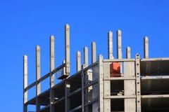 κτήριο 5 που ολοκληρώνετ& Στοκ φωτογραφία με δικαίωμα ελεύθερης χρήσης