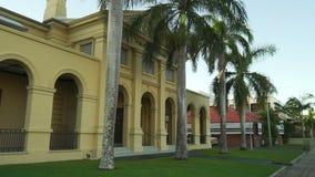 Κτήριο deco τέχνης αστυνομικών τμημάτων σε Mackay, Queensland, Αυστραλία, πυροβολισμός βράσης απόθεμα βίντεο