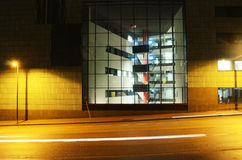 Κτίριο γραφείων στο κέντρο του Ελσίνκι τη νύχτα Στοκ Εικόνα