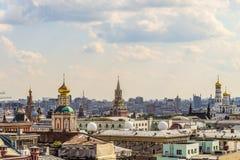 Κτύποι του πύργου Spassky, του ναού Epiphany, του πύργου κουδουνιών του Ivan μεγάλου και του καθεδρικού ναού του βασιλικού του ST στοκ εικόνα