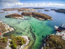 Κυανή παραλία, δύσκολη ακτή των νησιών , εναέρια άποψη Στοκ φωτογραφία με δικαίωμα ελεύθερης χρήσης