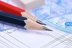 Κυβερνήτες μολυβιών και ηλεκτρικό σχέδιο Στοκ φωτογραφία με δικαίωμα ελεύθερης χρήσης