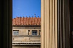 Κυβερνητικό κτήριο με τη νεοκλασσική λεπτομέρεια Στοκ Εικόνες