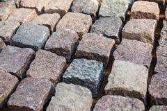 Κυβόλινθος - φυσικά pavers πετρών γρανίτη στοκ φωτογραφίες