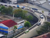 Κυκλικός ενιαίος τρόπος flyover στον αυτοκινητόδρομο στο Μαυρίκιο στοκ εικόνες