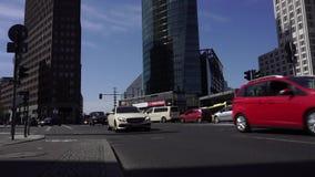 Κυκλοφορία διατομής σε Potsdamer Platz, Βερολίνο, Γερμανία φιλμ μικρού μήκους