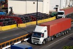 κυκλοφορία λιμένων φορτί&o Στοκ φωτογραφίες με δικαίωμα ελεύθερης χρήσης
