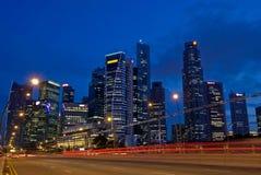 Κυκλοφορία οριζόντων πόλεων Σινγκαπούρης Στοκ φωτογραφία με δικαίωμα ελεύθερης χρήσης