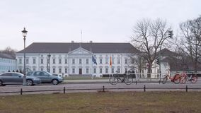 Κυκλοφορία σε Schloss Bellevue, παλάτι Bellevue στο Βερολίνο, Γερμανία φιλμ μικρού μήκους