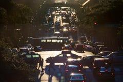 Κυκλοφορία στη 42$η οδό μέσω του της περιφέρειας του κέντρου Μανχάταν στη ώρα κυκλοφοριακής αιχμής Στοκ Εικόνες
