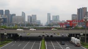 Κυκλοφορία στη λεωφόρο Tianfu σε Chengdu απόθεμα βίντεο