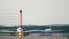 Κυκλοφορία στον αερολιμένα του Ντίσελντορφ απόθεμα βίντεο