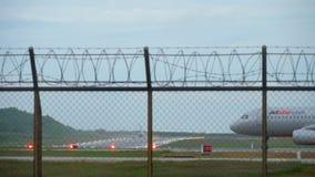 Κυκλοφορία στον αερολιμένα Phuket φιλμ μικρού μήκους