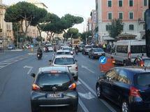 Κυκλοφορία στο κέντρο της πόλης της Ρώμης ` s Στοκ φωτογραφία με δικαίωμα ελεύθερης χρήσης