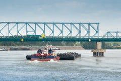 Κυκλοφορία φορτίου ποταμών στοκ φωτογραφία με δικαίωμα ελεύθερης χρήσης
