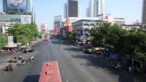 Κυκλοφοριακή συμφόρηση στην περιοχή Centralworld, 19,2015 Ιανουαρίου στη Μπανγκόκ, Ταϊλάνδη απόθεμα βίντεο