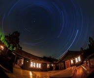 Κυκλικό ίχνος αστεριών Στοκ φωτογραφία με δικαίωμα ελεύθερης χρήσης