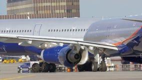 Κυκλοφορία αεροπλάνων στο έδαφος αερολιμένων φιλμ μικρού μήκους
