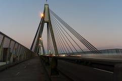 Κυκλοφορία γεφυρών ANZAC στο σούρουπο Στοκ Φωτογραφίες